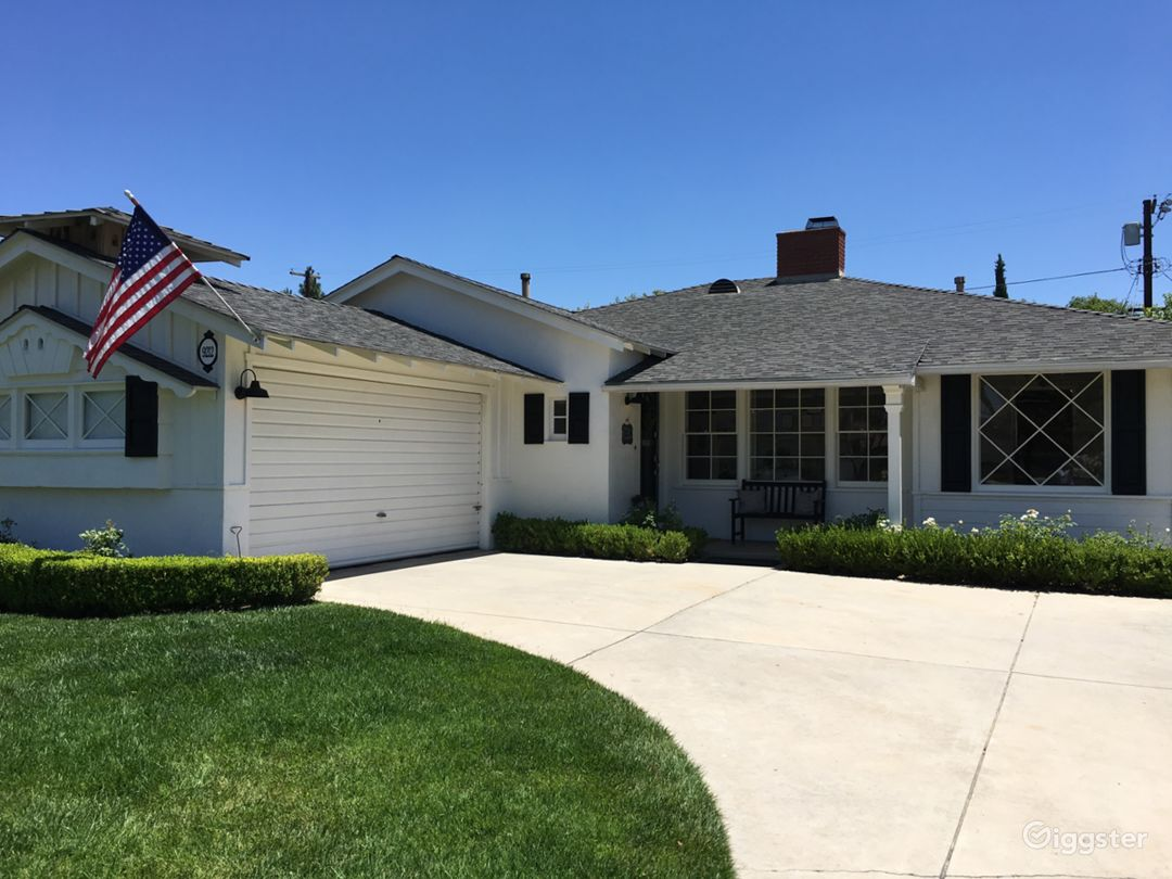 Front of house, driveway & garage