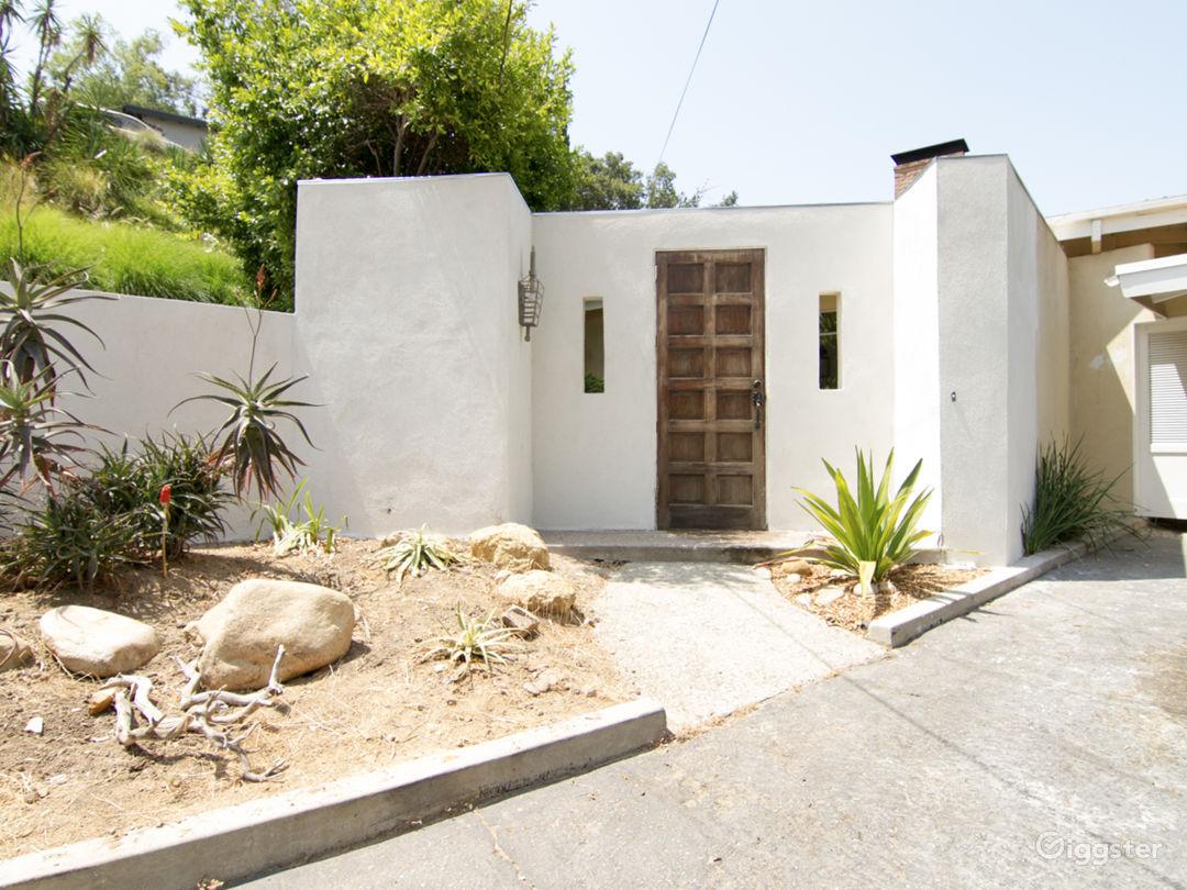 Modernist Home set in a grand hillside garden Photo 1