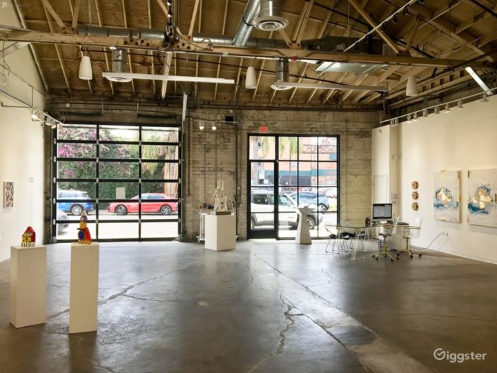 Bright, welcoming and upscale industrial space Photo 4