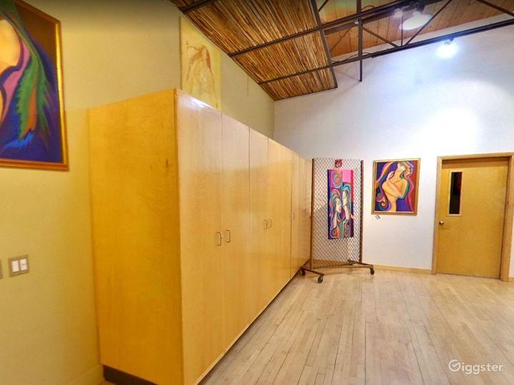 Elegant Studio in Tucson Photo 3
