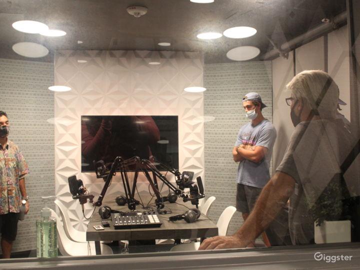 Modern Audio Recording Podcast Room Photo 5