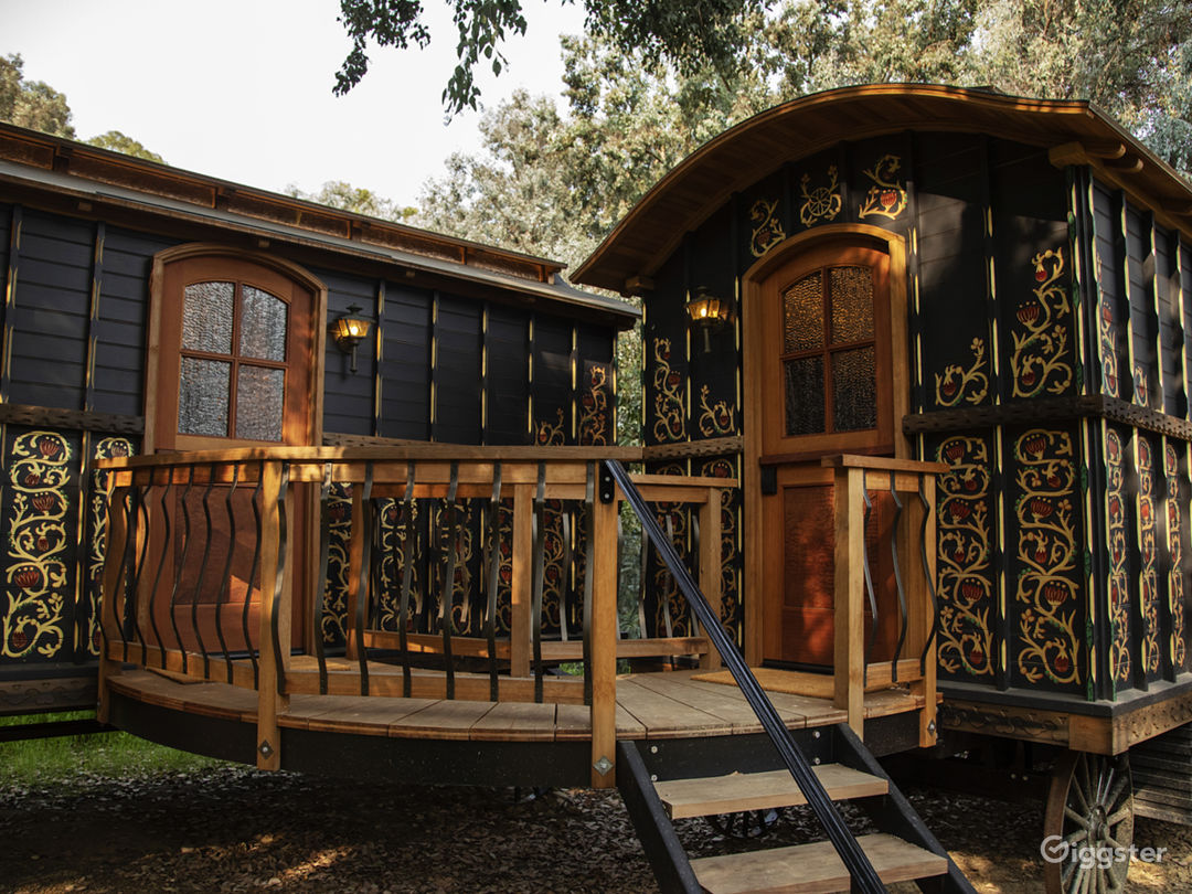 Topanga Compound | The Carriage  Photo 5