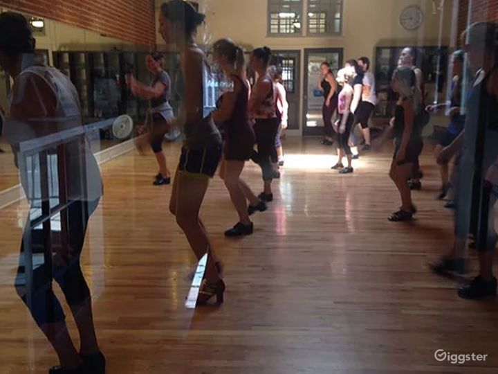 Exceptional Dance Rehearsal Space Studio in Denver Photo 4
