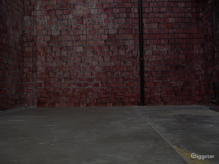 Film Studio w/Cyclorama Wall, Brick Wall, & Props Photo 3