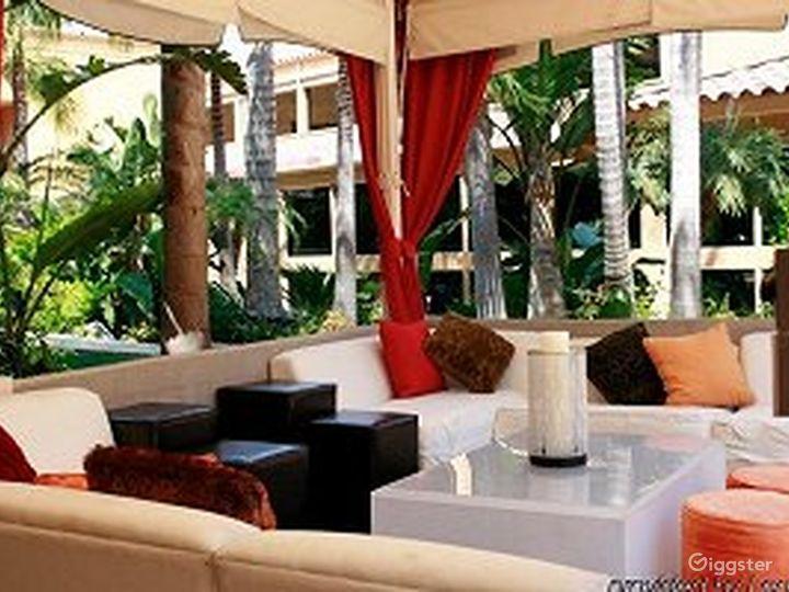 Comfortable Club Lounge Photo 4