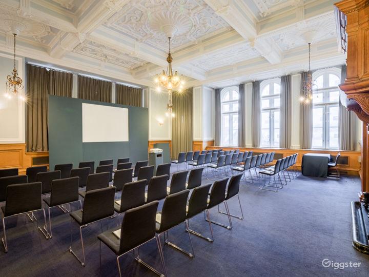 Bishopsgate & Chancery in London Photo 2