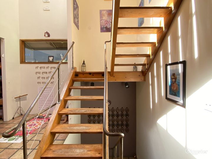 Bel Air unfurnished Treehouse  Location Photo 4