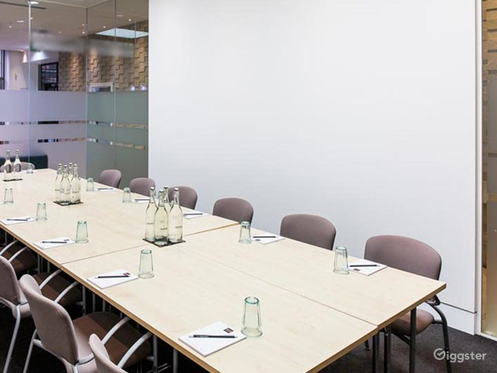 Accessible Meeting Room in London Photo 4