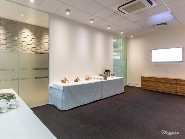 Accessible Meeting Room in London Photo 2