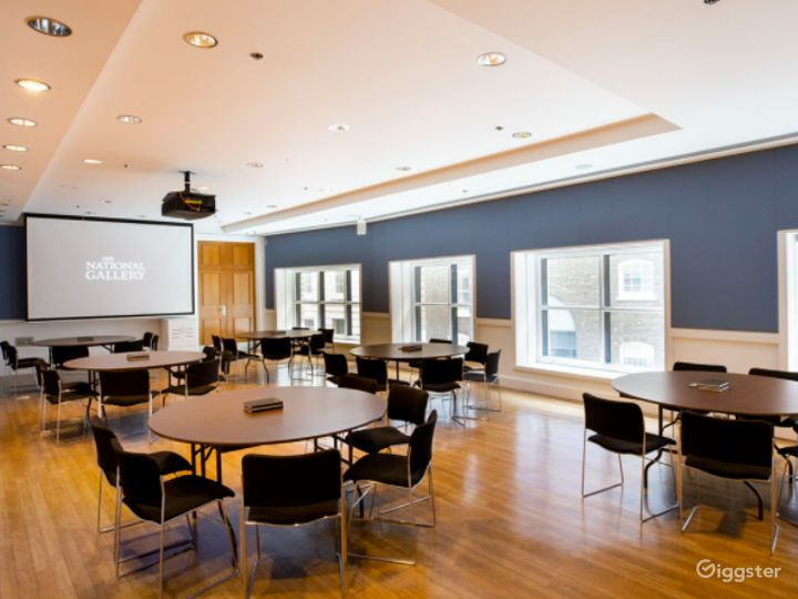 Monet Meeting Room in The National Gallery, London Photo 3
