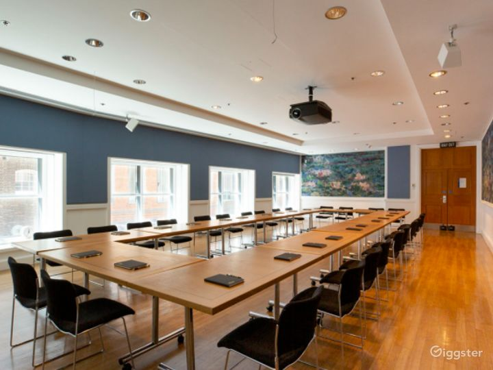 Monet Meeting Room in The National Gallery, London Photo 2