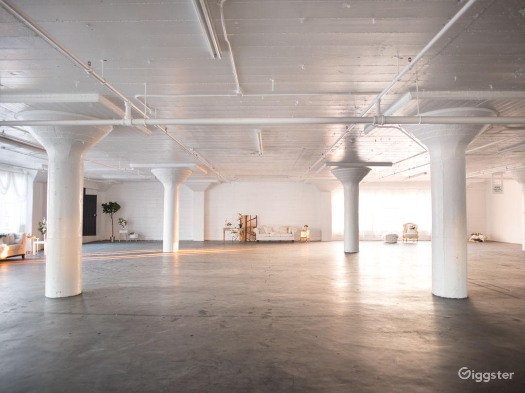6000 Sq Ft DTLA Large Dreamy White Studio Photo 4