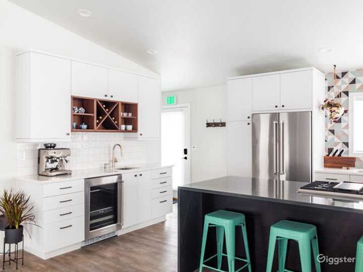 Event Space Equipped with a Kitchen in Beaverton Photo 3
