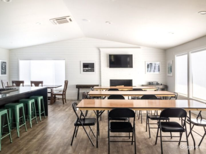 Event Space Equipped with a Kitchen in Beaverton Photo 4