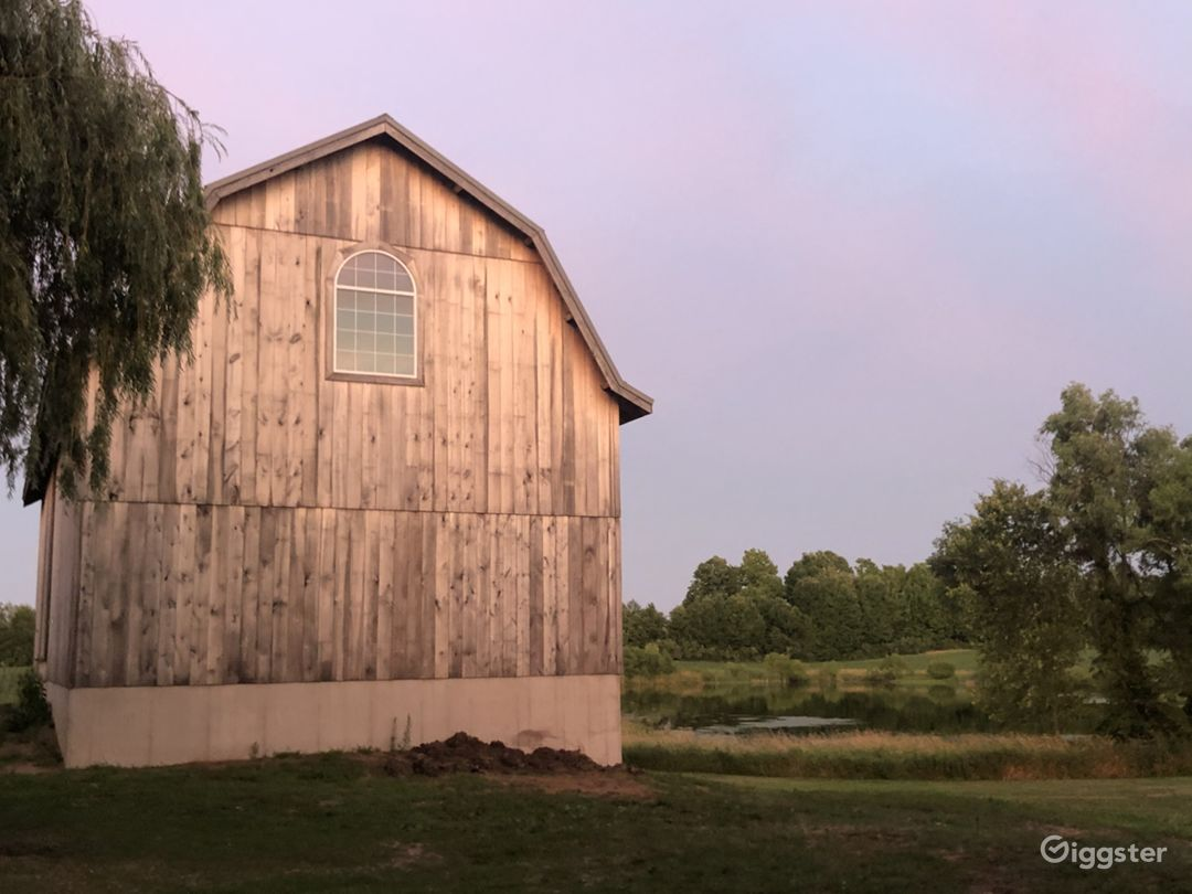 Rustic Barn with pond view Photo 1