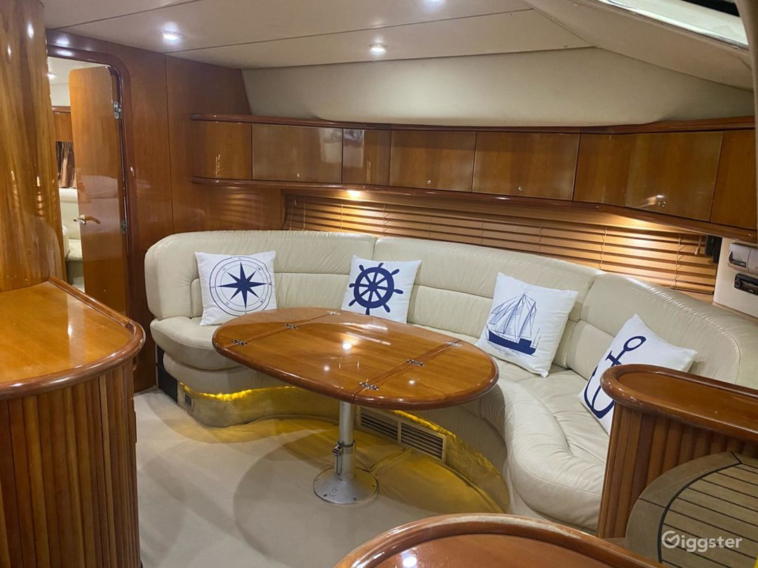Remarkable 45FT SEA RAY SUNSEEKER Party Yacht Space Events  Photo 1