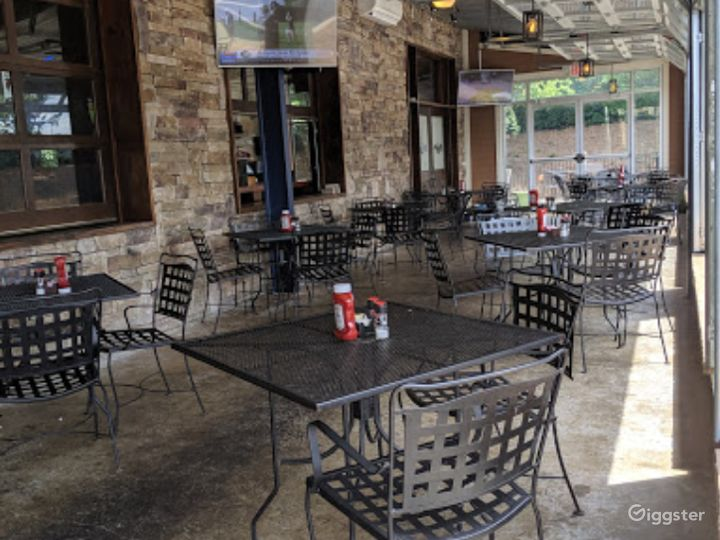 Cozy and Clean Covered Patio  Photo 2