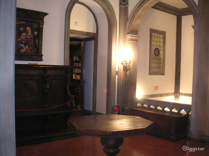 MEN'S CLUB 2 - Cosy Place with Small Library and Piano Photo 3