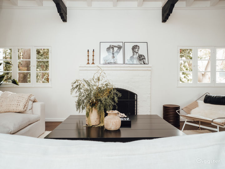 Hollywood Hills Spanish Picture Home Photo 4