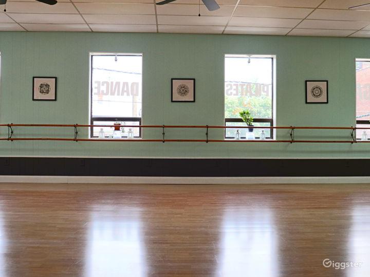 Spacious Sun Drenched Dance Studio  Photo 3
