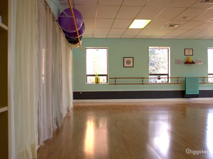 Spacious Sun Drenched Dance Studio  Photo 2