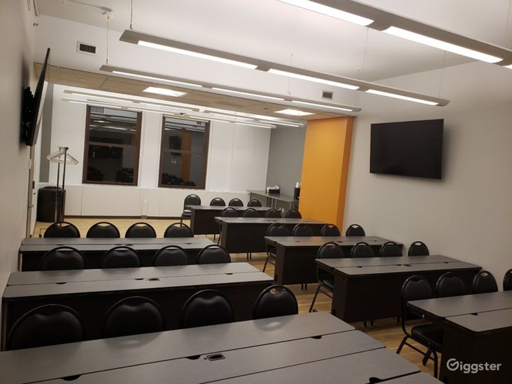 Seminar Room with a Professional Atmosphere  Photo 5