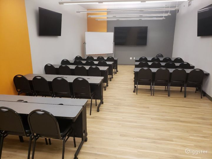 Seminar Room with a Professional Atmosphere  Photo 4