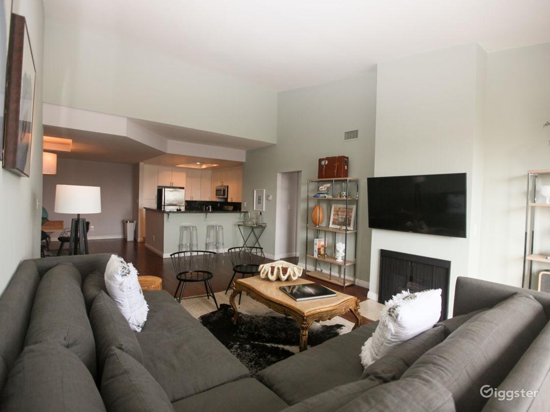 Clean, Crisp Penthouse Photo 2