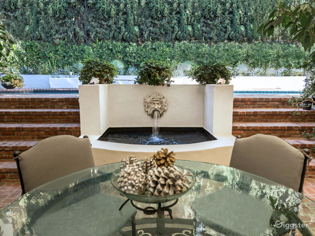 Large atrium with fountain