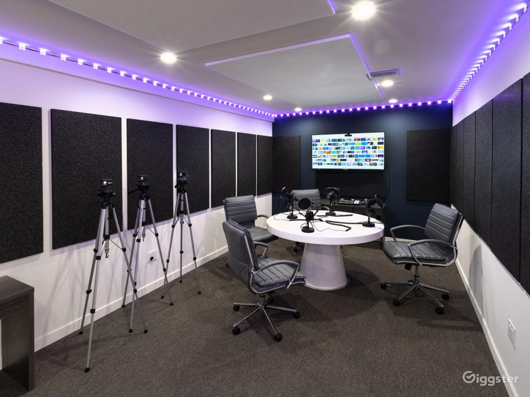 Podcast Room  Photo 2