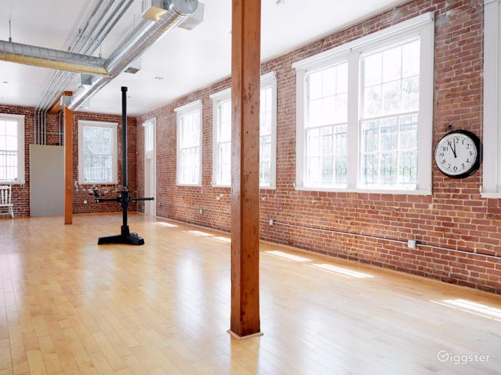 Photo Studio Loft with Natural Light