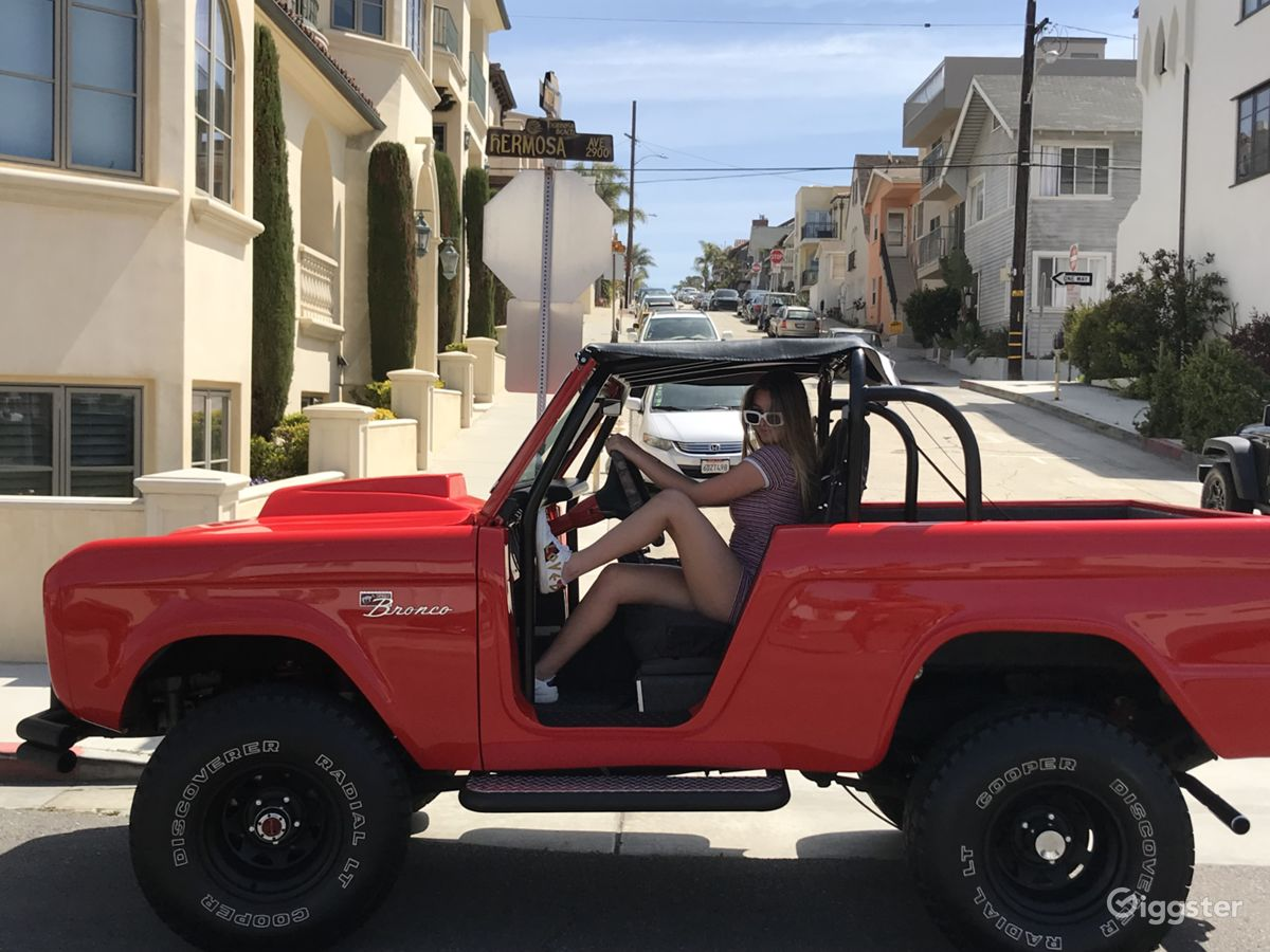 Rent the trucktransportation classic 1977 ford bronco for filming photo shooting in