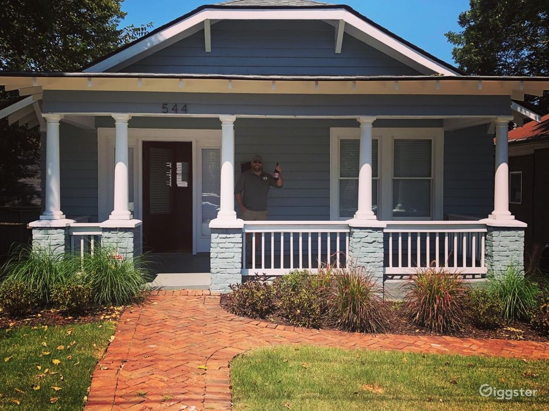 Charming Bungalow w/lovely Front Porch in O4W ATL Photo 1