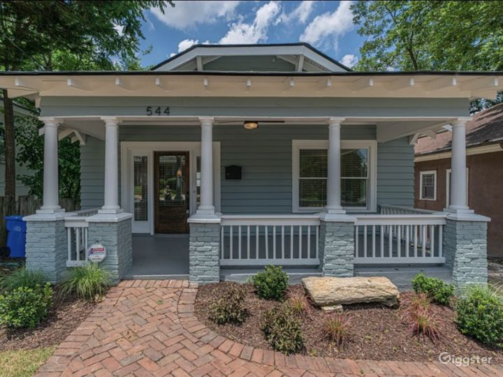 Charming Bungalow w/lovely Front Porch in O4W ATL Photo 2