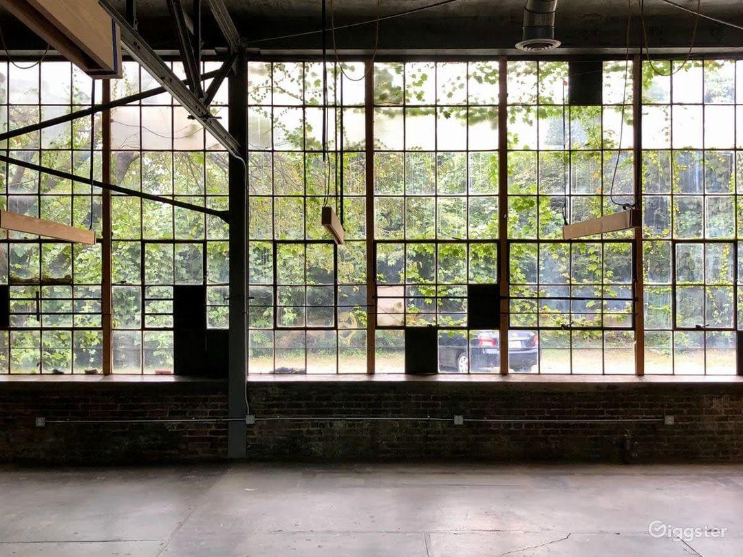 Daylight Studio + 12 acre Victorian Era Complex Photo 1
