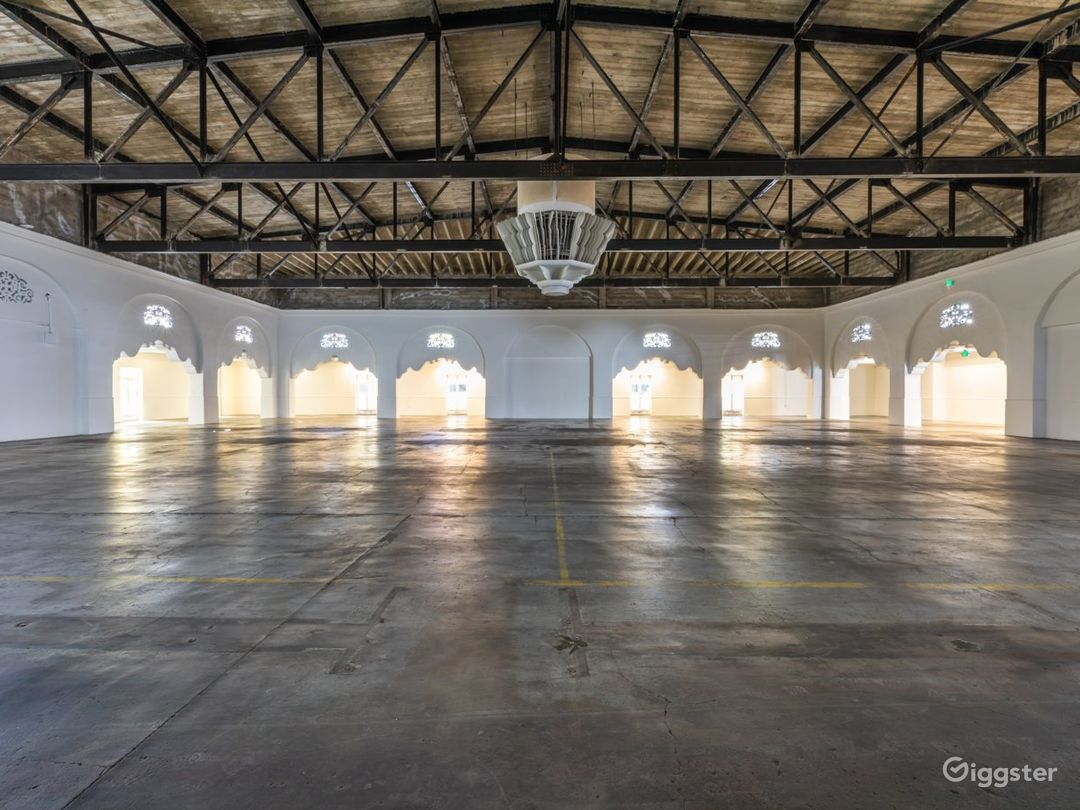 100,000 sq. ft Legendary Venue with HUGE Rooftop Photo 1