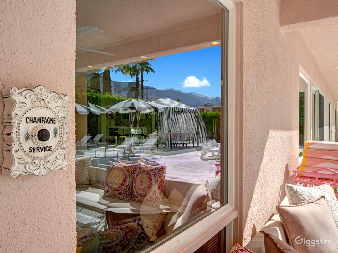 Mod Mirror Villa:  Glam Hollywood Regency estate Photo 5