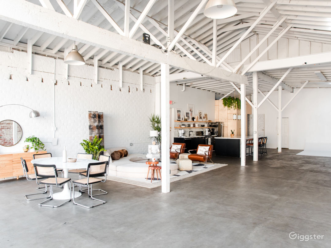 Stylish, Airy Loft with Full Kitchen in Atwater Photo 1
