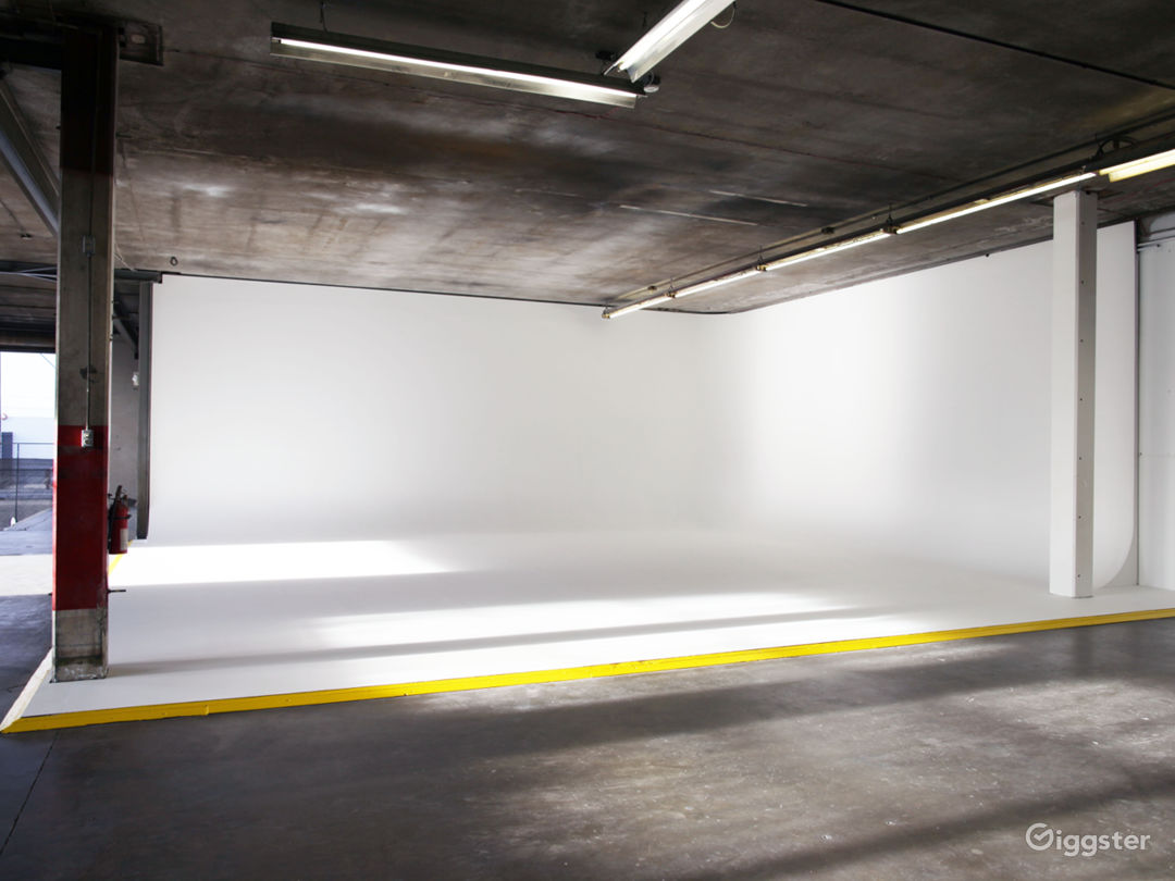 Industrial Warehouse with Cyclorama Photo 3