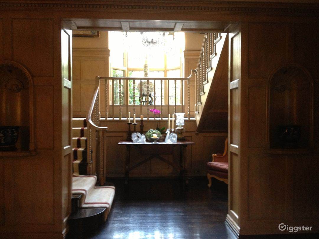 Hancock Park Mansion - English Country Style Photo 4