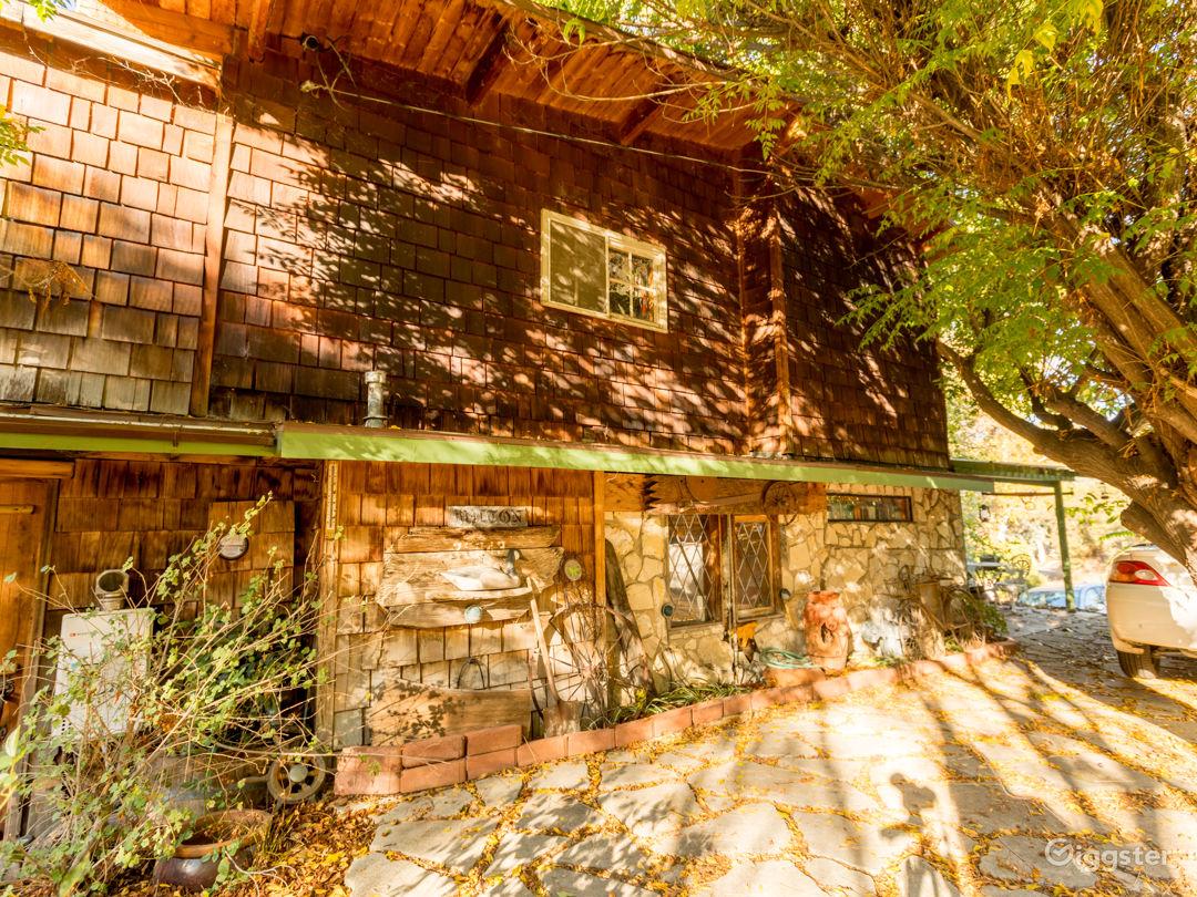 Rustic Lake House Photo 5