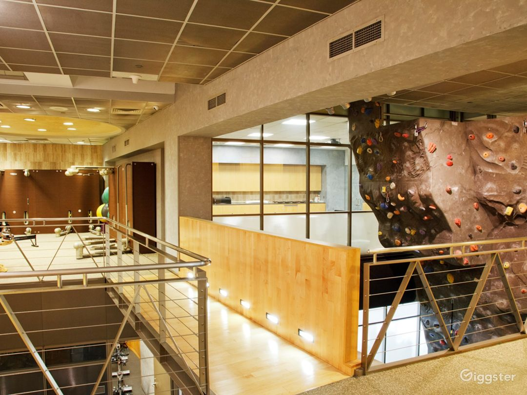 Fantastic Wall Climbing Experience in Financial District Photo 1