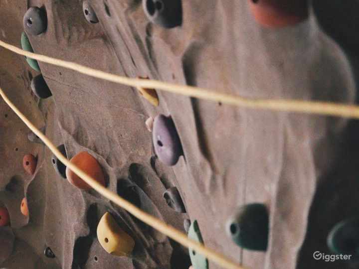 Fantastic Wall Climbing Experience in Financial District Photo 5