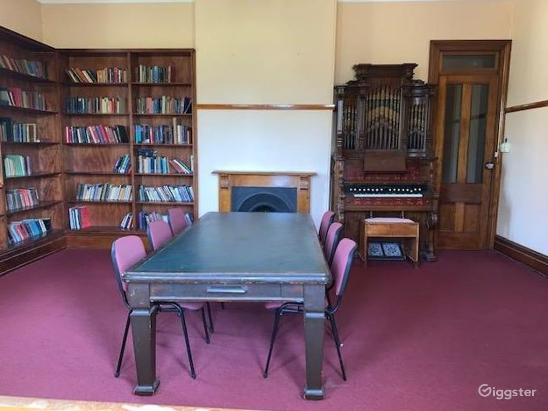 Big  Library with Small Electric Organ Photo 1