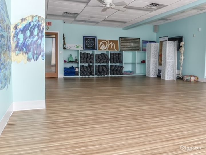 Stylish Un-Heated Yoga Room for Productions and Photoshoots Photo 5