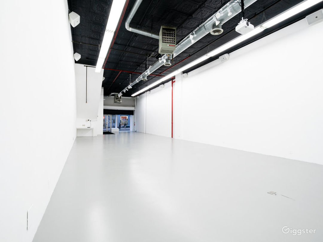 Multimedia Immersive-Projection Event Space Photo 4