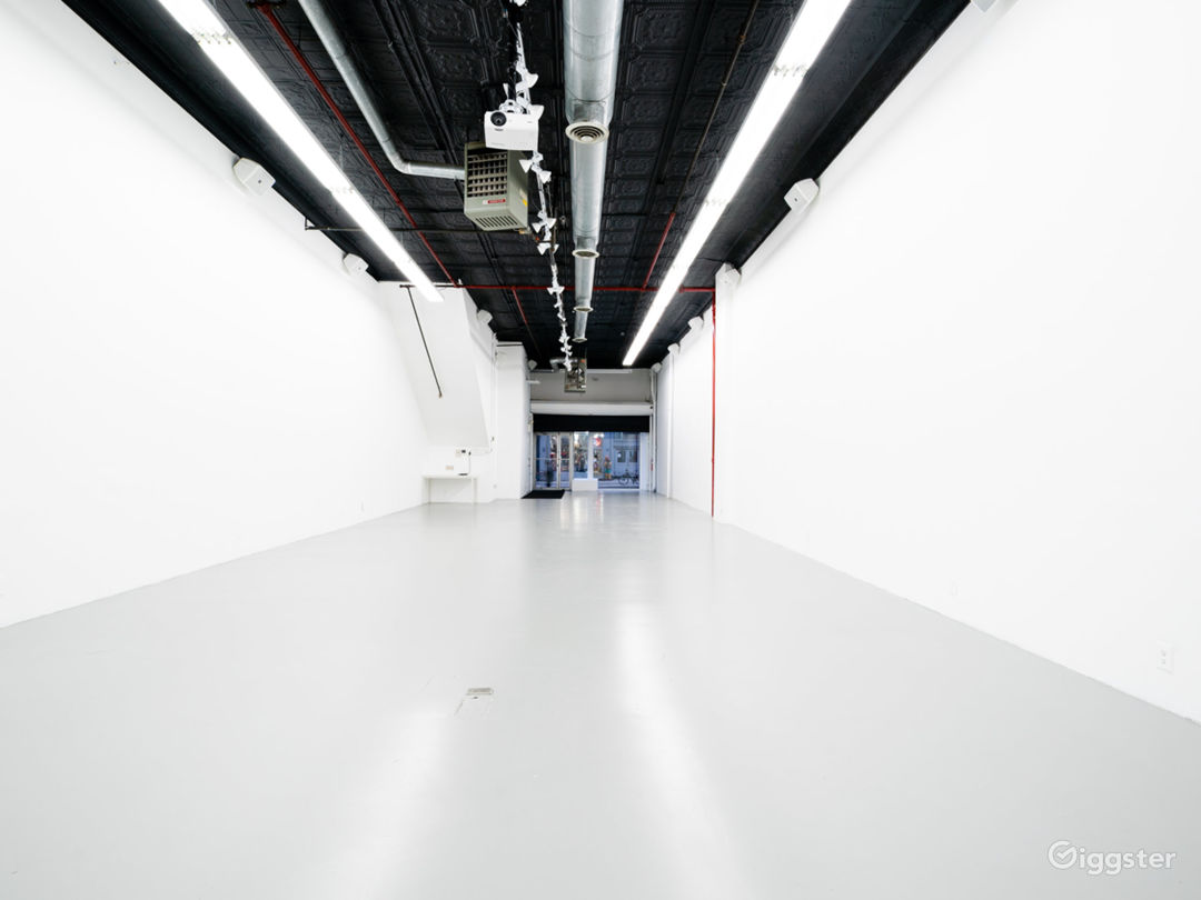 Multimedia Immersive-Projection Event Space Photo 1