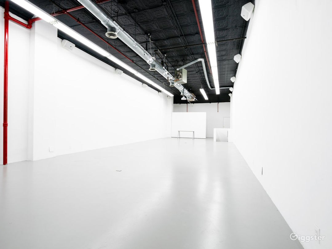 Multimedia Immersive-Projection Event Space Photo 2