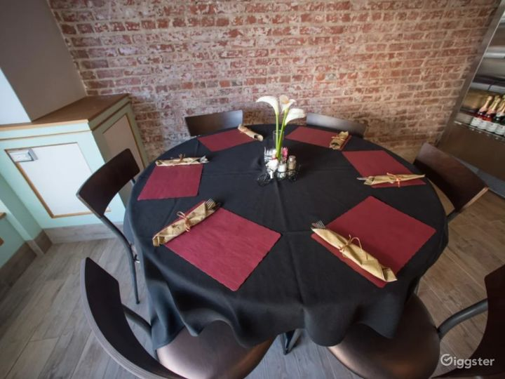 Chic & Trendy French Bistro with European Flair Photo 3