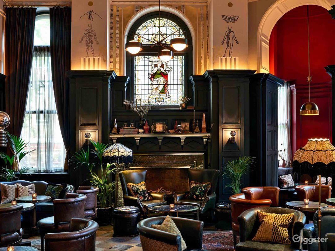 Glamorous Cocktail Bar in Bloomsbury, London  Photo 1